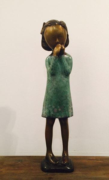 웃는 소녀, Bronz, 18.3x15.3x72.2cm, 2015