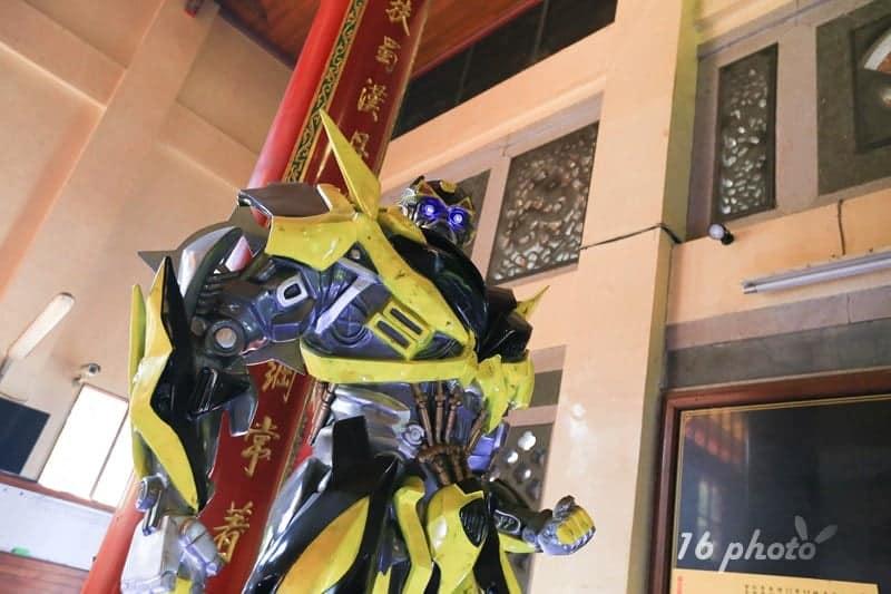 A-Tainan-Guanmiao-Iron-Man-12