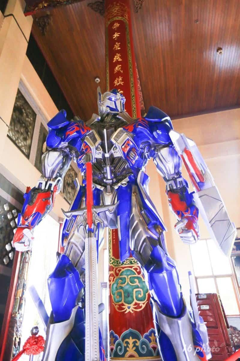 A-Tainan-Guanmiao-Iron-Man-14