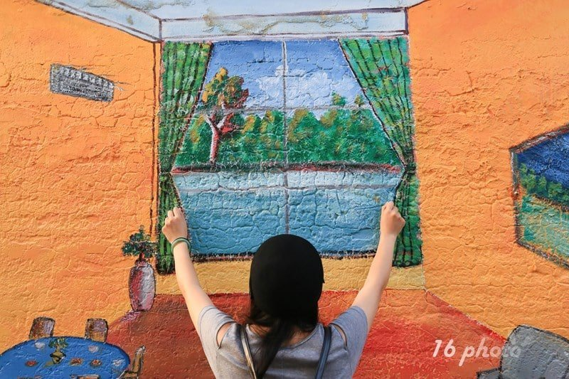 A-Tainan-Guanmiao-Painted-Village-12