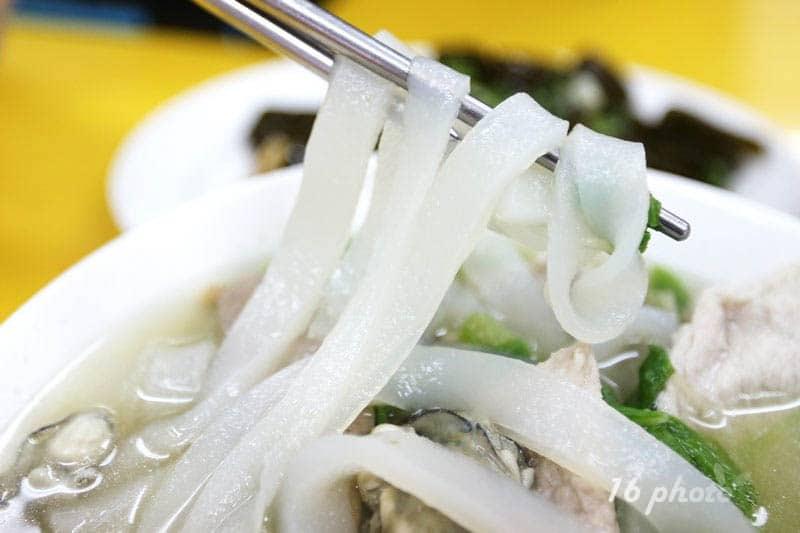 zhonghe-Seafood-noodle-Shop-18