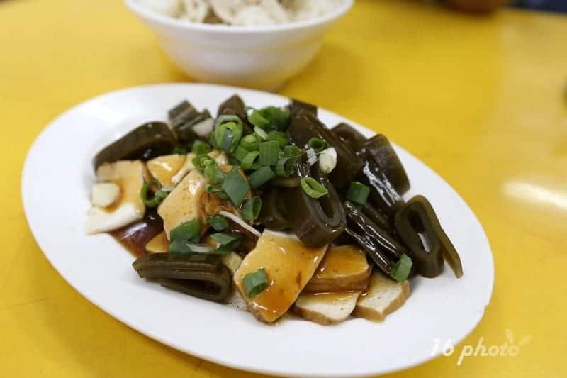 zhonghe-Seafood-noodle-Shop-2