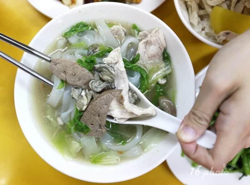 zhonghe-Seafood-noodle-Shop-9