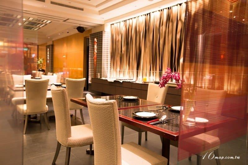 fourpoints-red-restaurant-11