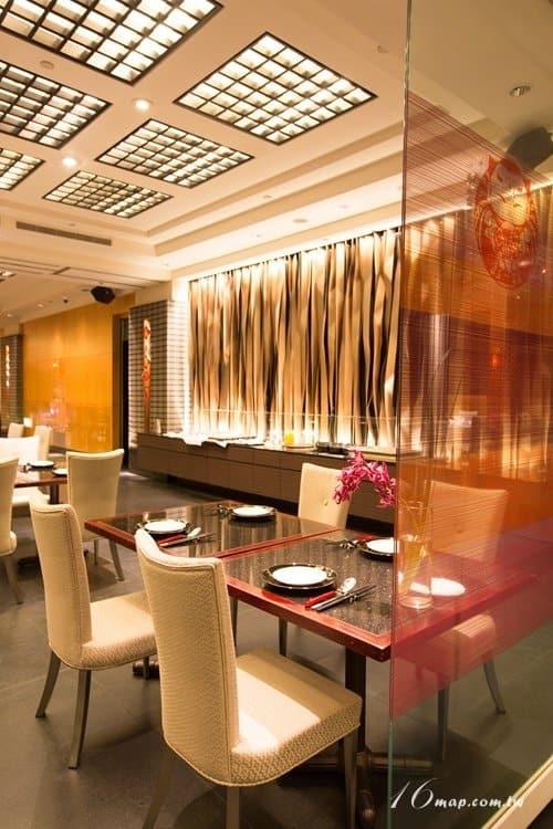 fourpoints-red-restaurant-12