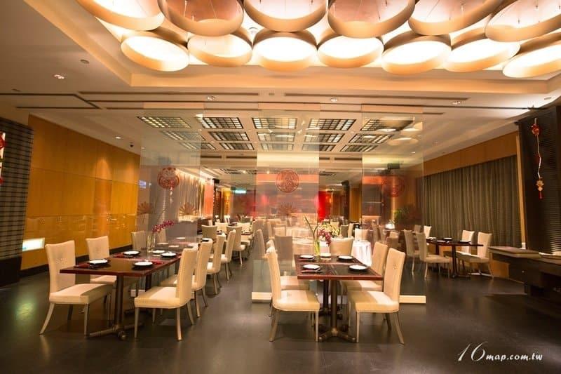 fourpoints-red-restaurant-4
