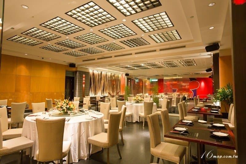 fourpoints-red-restaurant-5