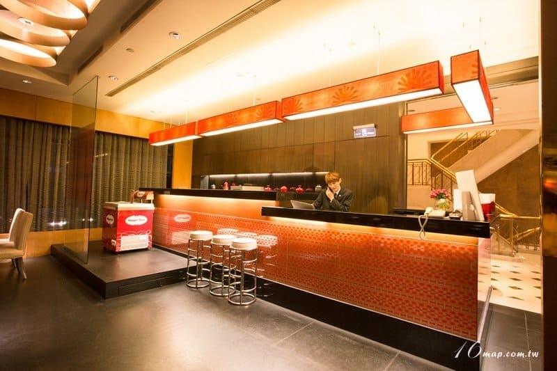 fourpoints-red-restaurant-6