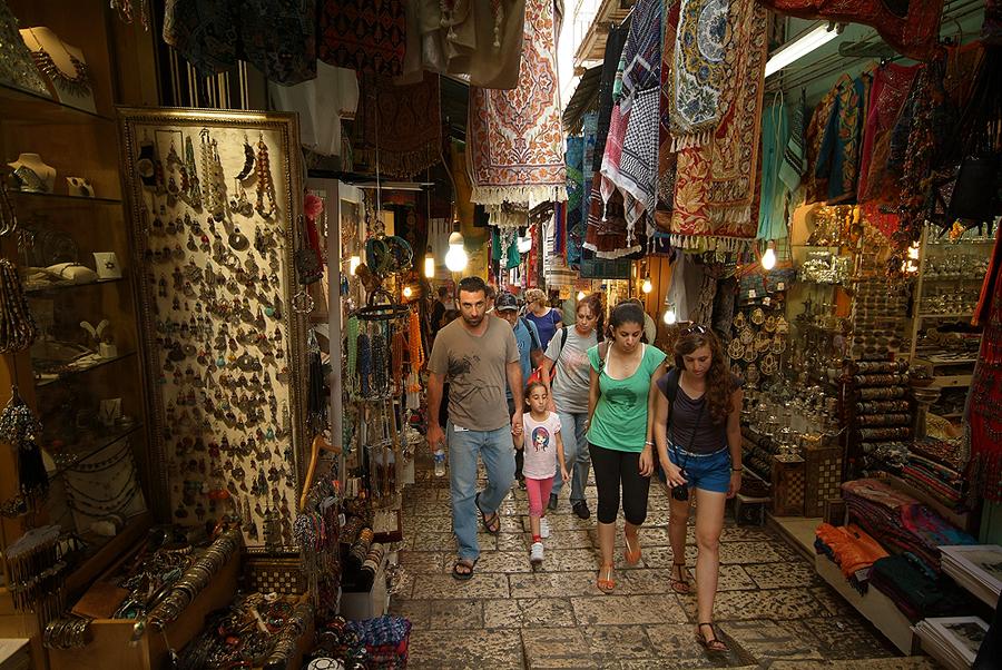 비아돌로로사 Via Dolorosa 의 껍데기 순례객