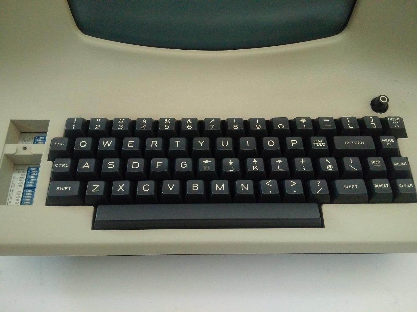 LSI-ADM3A-full-keyboard
