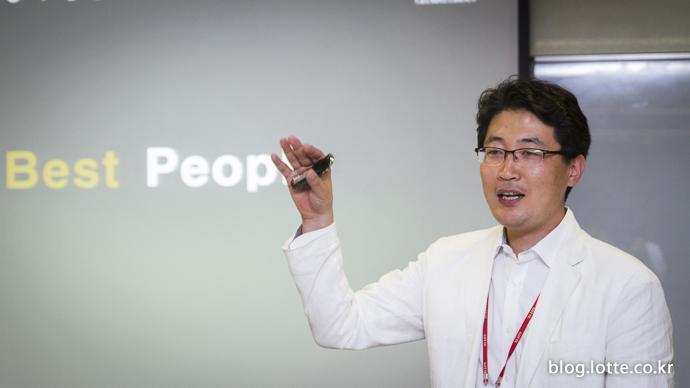 HRD에 대해 알려주고 있는 변영오 멘토