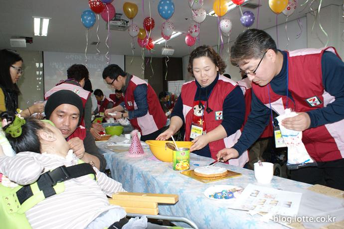 세븐일레븐, 중증 장애우 생일파티 개최
