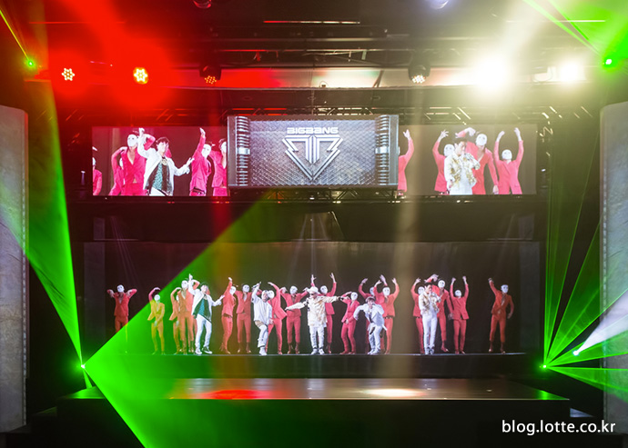K-POP 홀로그램 전용관 '클라이브(Klive)'의 모습