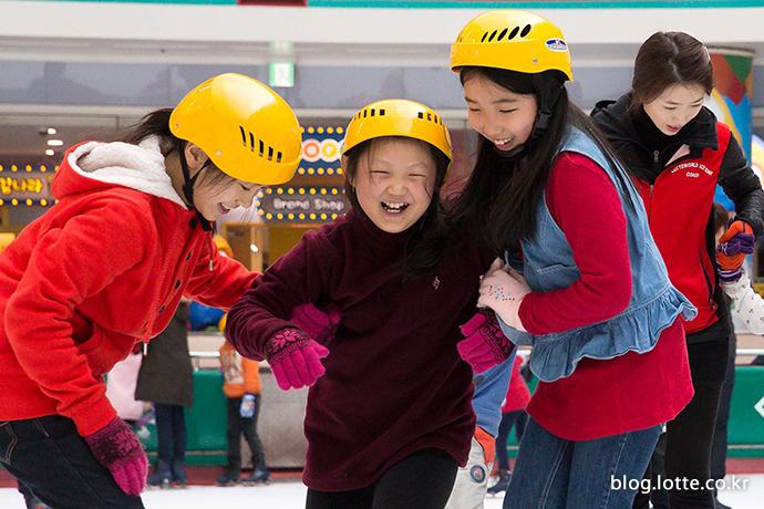 롯데월드 어드벤처, 저소득층 어린이 아이스링크 초청행사