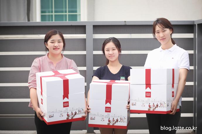 자원봉사자 김도희(좌), 정하나(가운데), 이선민(우)