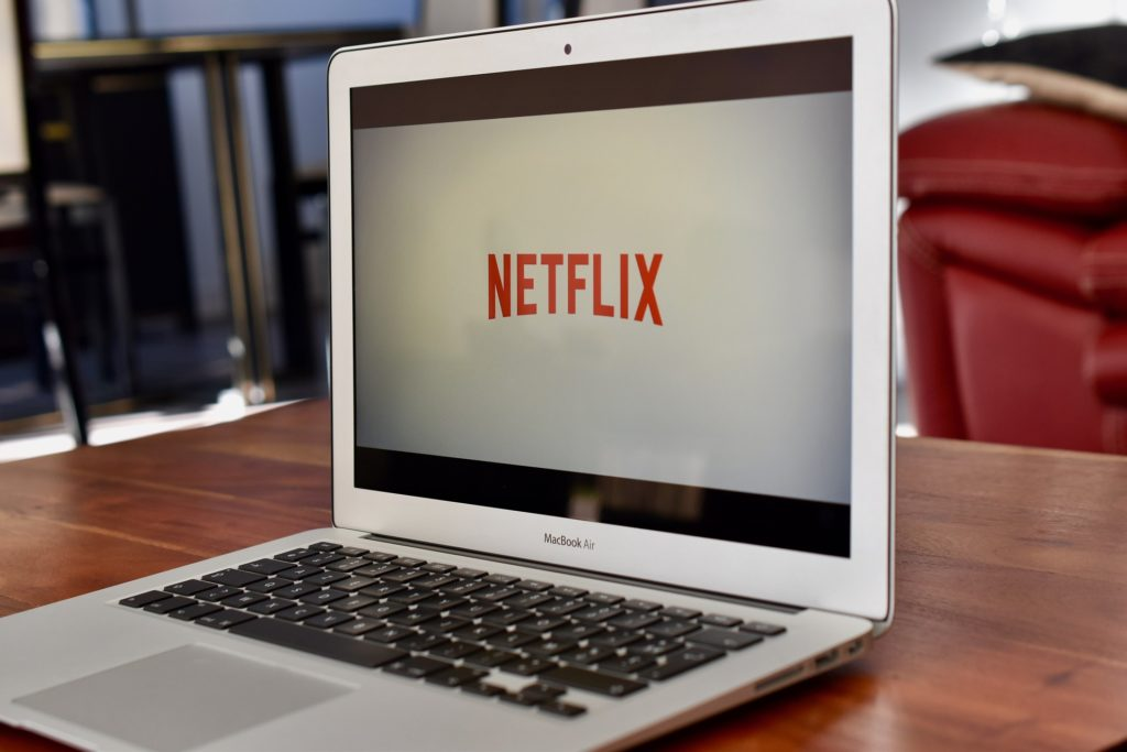 This image has an empty alt attribute; its file name is netflix-4011807_1920-1024x683.jpg