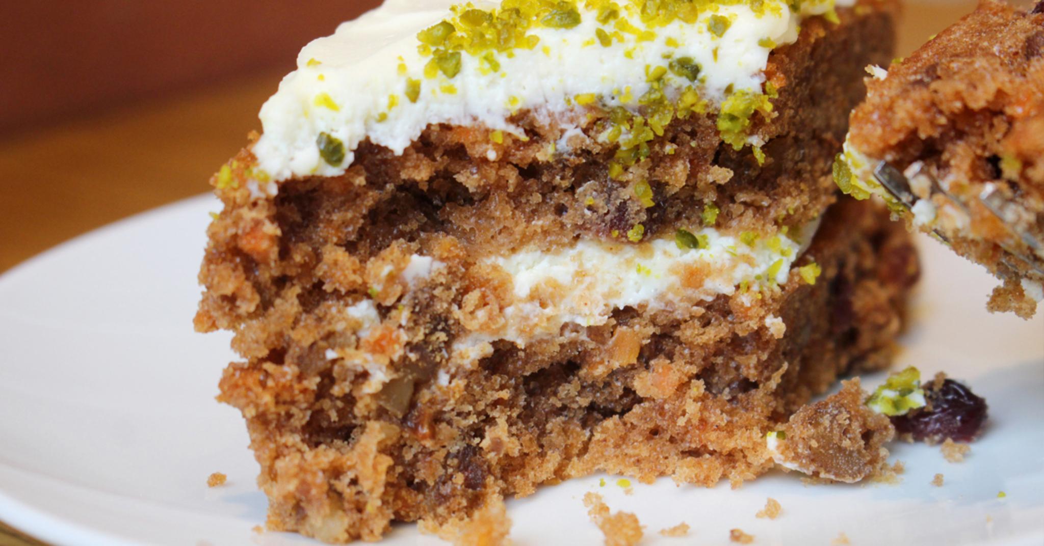 믿고 먹는 아티제 신상 메뉴 뽀개기 사진 - 제주 당근 케이크부터 찐한 말차팥프라페까지!